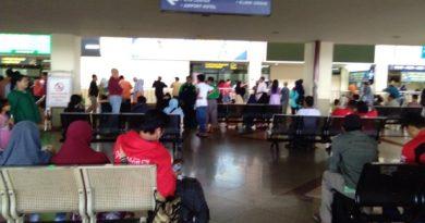 bandara juanda ruang tunggu