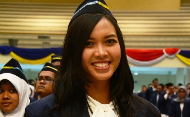 Fatma Ayu Husnasari Puteri Indonesia jatim 2017