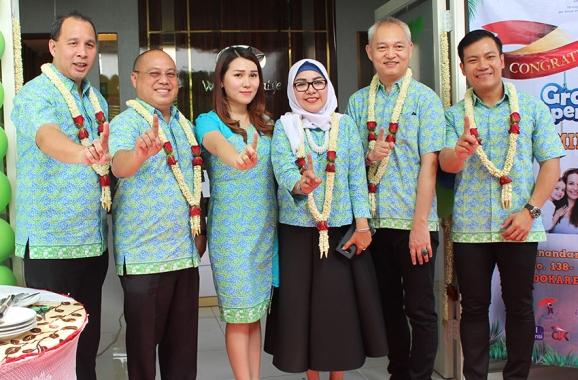 a3_Foto bersama Presiden Direktur WanaArtha Life