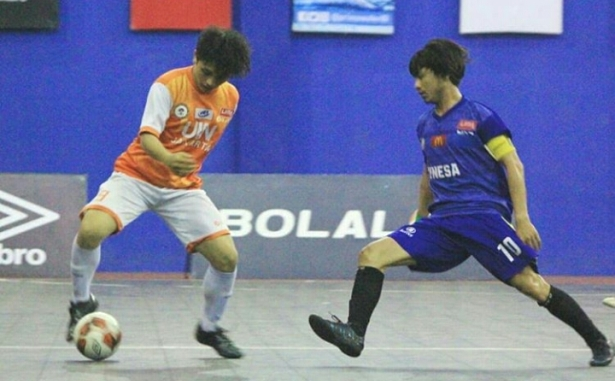 <span style='color:#ff0000;font-size:12px;'>Liga Mahasiswa Futsal 2018  </span><br> Kalah Tipis, Unesa Kandas di Semifinal LIMA Futsal Nationals 2018