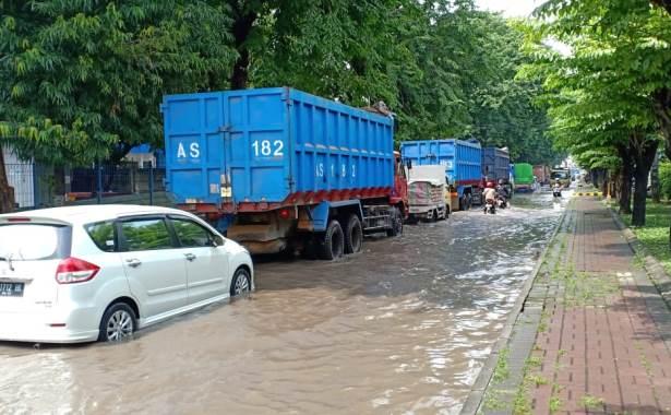 banjir berbek