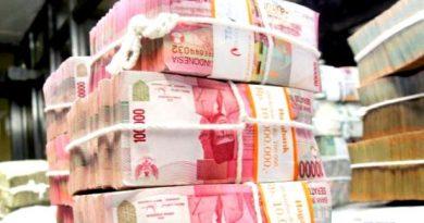 uang-rupiah-banyak-tumpukan