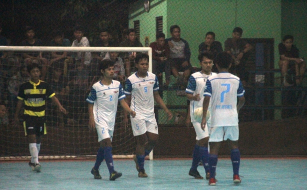 dyvy v young boys 2