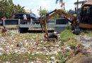 Turunkan Alat Berat Ekskavator dan Enam Dump Truk untuk Bersihkan Sampah di Sungai Gedangan