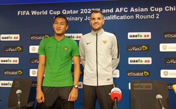 Hansamu dan Simon McMenemy Timnas Indonesia di UEA 2019