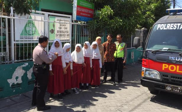 siswa n polisi