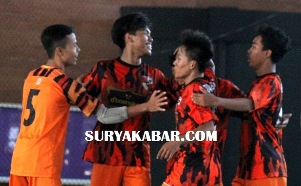 <span style='color:#ff0000;font-size:12px;'>Turnamen Hero Cup Kota Surabaya 2019  </span><br> PP FC Susul Nisrina FC dan Kalimas Paruga FC ke Final Four