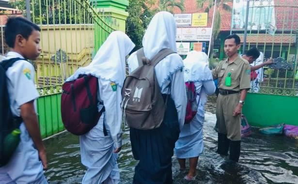 banjir smpn 2 tanggulangin