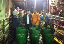 Pembersihan Sampah di Sungai Buntung dan Sinir di Waru Sidoarjo Berlanjut Hingga Malam