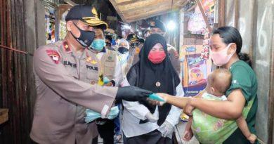wakapolda jatim bagi masker