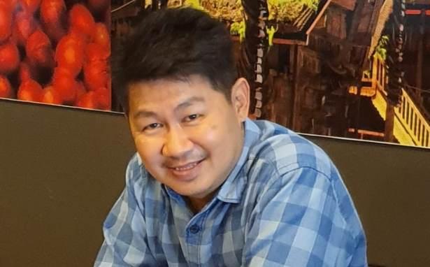 Vinsensius Awey