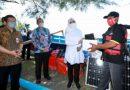 Bupati Banyuwangi Serahkan Bantuan 12 Kapal Fiber hingga Alat Pendeteksi Ikan