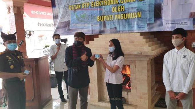 Bupati Pasuruan Launching Kios e-Pak Ladi di Tosari, Kini Warga Tosari Cetak KTP-el Cukup di Kantor Kecamatan