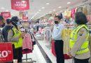 Polresta Sidoarjo Lakukan Pendisiplinan Pengunjung Mall Jelang Lebaran