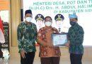 Menteri Desa Tertinggal dan Transmigrasi RI Serahkan Penghargaan Utama SDGs Desa di Kabupaten Sidoarjo