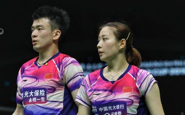 Zheng SiweiHuang Yaqiong