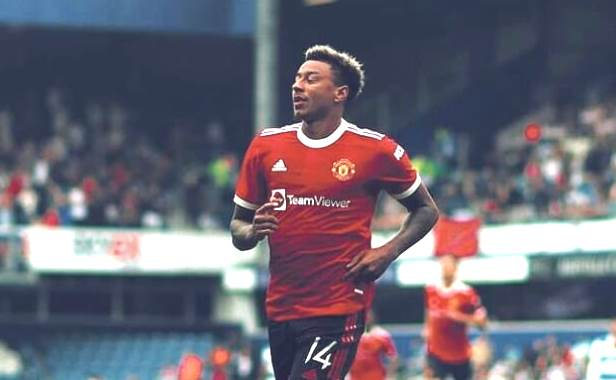 <span style='color:#ff0000;font-size:12px;'>Liga Inggris </span><br> Queens Park Rangers Vs Manchester United: Setan Merah Telan Kekalahan