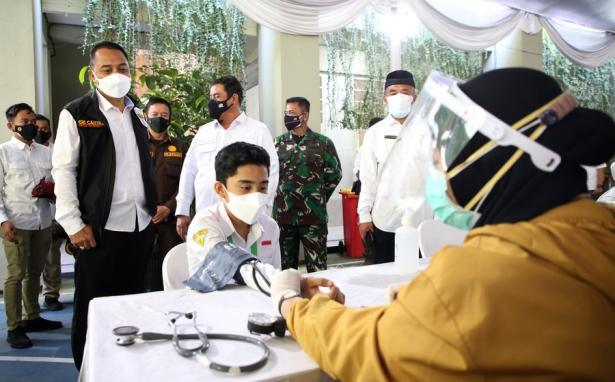 vaksin pelajar surabaya
