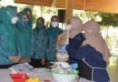 Hidupkan Ekonomi Kreatif, Ning Sasha Datangkan BPPP Banyuwangi Ajarkan Praktek Mengolah Ikan